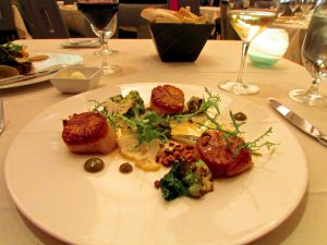 la-jolla-nine-ten-maine-sea-scallops